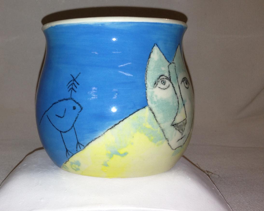 Blufoot with bird mug view 3