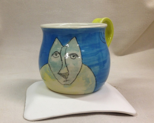 Blufoot with bird mug view 2